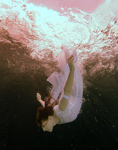 Lori Underwater-2199