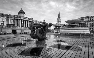 Black and White, Trafalgar Square, London, England