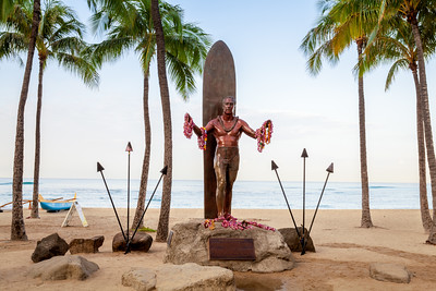 Duke Paoa Kahanamoku Statue, Waikiki Beach, Honolulu, Oahu, Hawaii, America