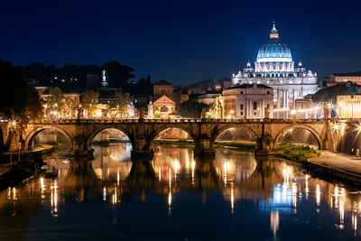 Night, St Peter's Basilica, Roma, Italy