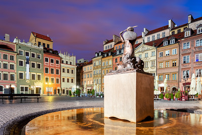 Sunrise, Mermaid Statue, Old Town Market Square, Warsaw, Poland