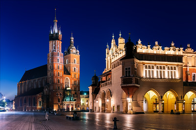 Night, St Mary's Basilica, Bazylika Mariacka, The Cloth Hall, Krakow, Poland