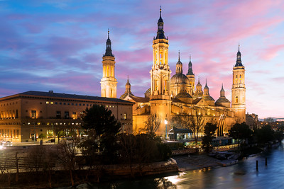 Basilica de Nuestra Senora del Pilar, Basilica of Our Lady of the Pillar, Puente de Piedra, Zaragoza, Aragon, Spain