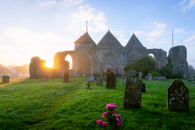 Sunrise, Winchelsea Church, Winchelsea, East Sussex, England
