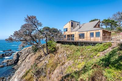 Halprin House on the Edge on the Pacific Ocean