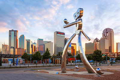 The Wallking Man, Robot, Deep Ellum, Dallas, Texas, America