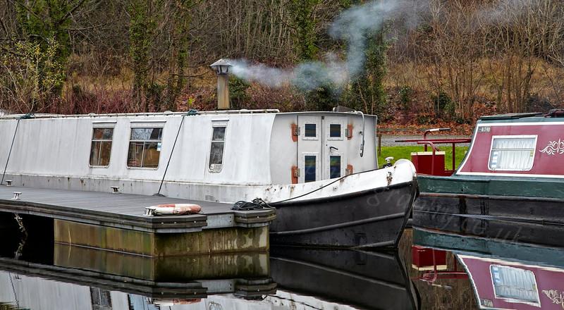 Bowling Basin Marina Barges - 25 November 2012