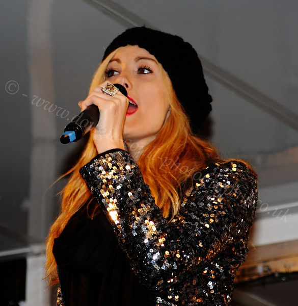Melissa Murdoch Singing at Christmas Lights Switch-On - Cathcart Square - 1 December 2011