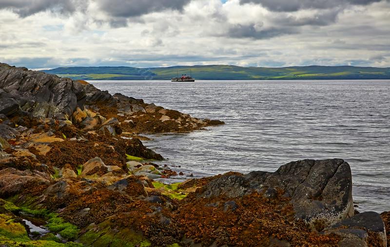PS Waverley Approaching Lochranza - 20 July 2014
