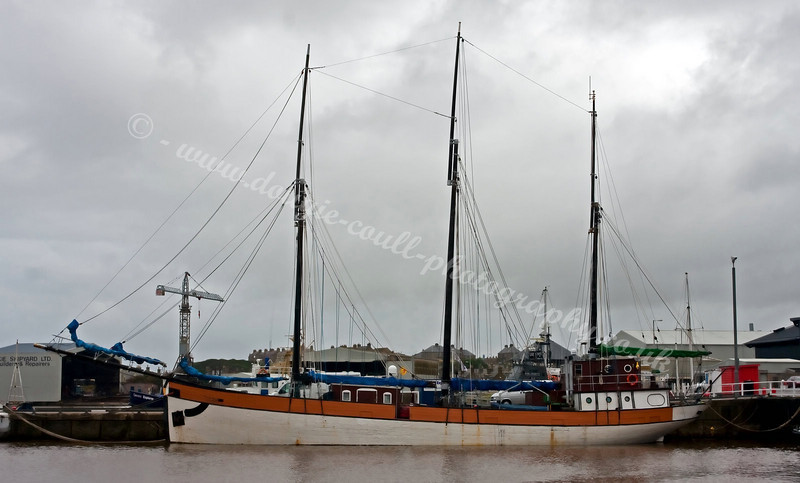 Barquentine 'Regina Caelis' in Buckie Harbour - 4 September 2009