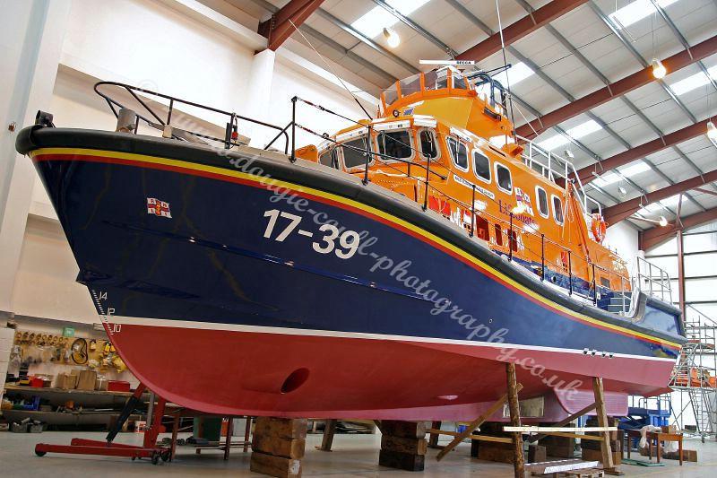 Lifeboat on Maintenance Shed - 11 September 2006