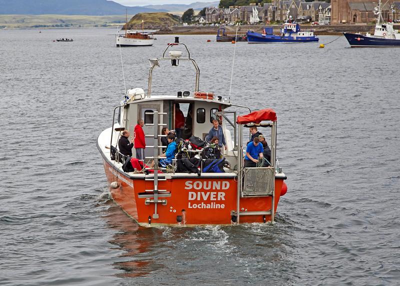'Sound Diver' Departs from Oban Bay - 26 August 2013