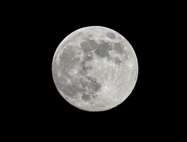 Moon over Langbank - 6 May 2020