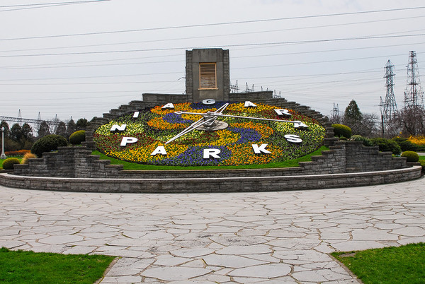 The floral clock at Niagara Falls
