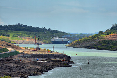 coming up to the cut, Panama Canal, Panama