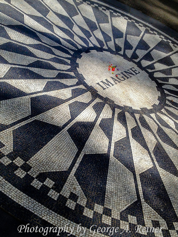 Imagine circle at Strawberry Fields-2