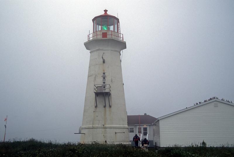 ME/CAN-MACHAIS SEAL ISLAND LIGHT