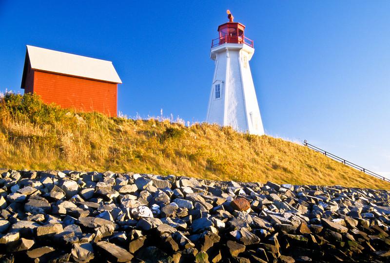 CANADA-NEW BRUNSWICK-CAMPOBELLO ISLAND-MULHOLLAND POINT LIGHT