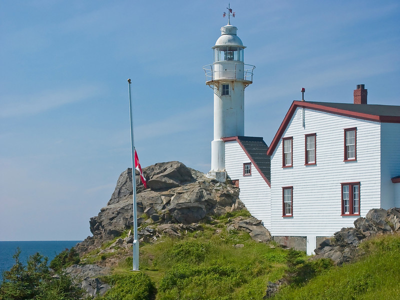 CANADA-NEWFOUNDLAND-ROCKY HARBOUR-LOBSTER COVE LIGHT