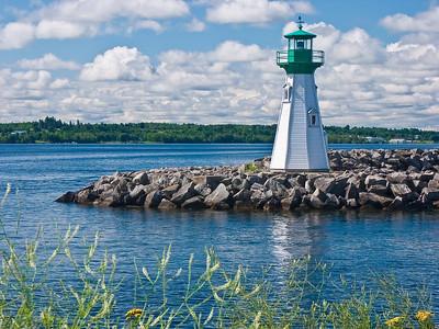 CANADA-ONTARIO-PRESCOTT-PRESCOTT BREAKWATER LIGHT