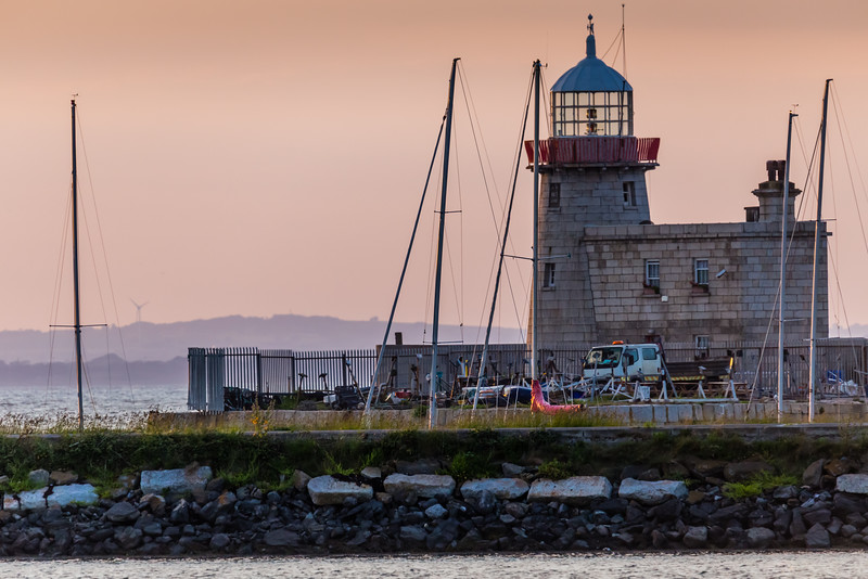 REPUBLIC OF IRELAND-HOWTH-HOWTH HARBOR LIGHTHOUSE