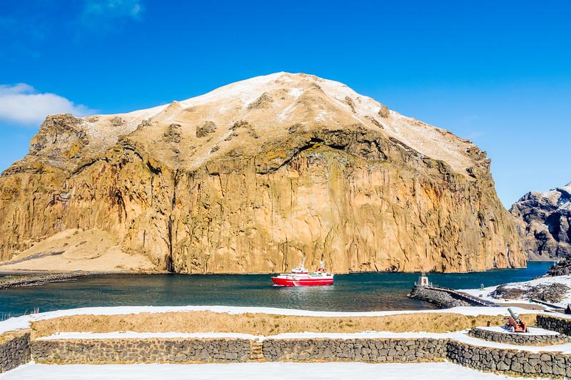 Iceland-Vestmannaeyjar-Heimaey-Skansinn [fort]