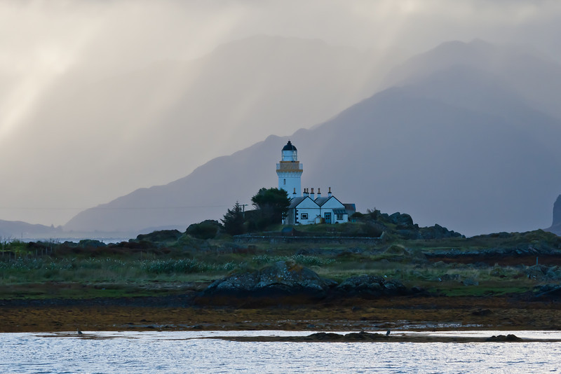 SCOTLAND-ISLE OF SKYE-ORNSAY-ORNSAY LIGHTHOUSE