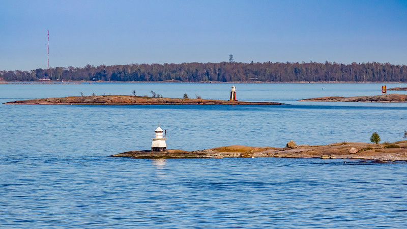 Finland-Helsinki-Tiirakari Front Range lighthouse and  Abrahaminluoto Rear Range light