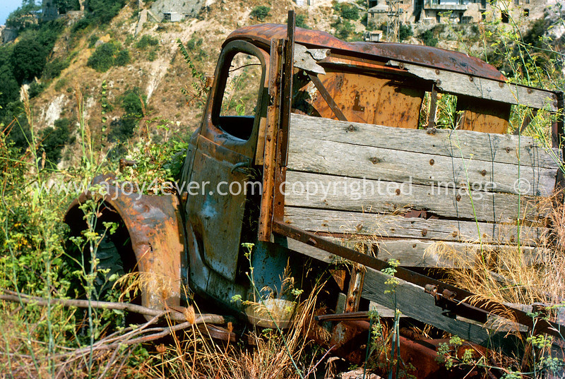 pic_332abook1 paese crop
