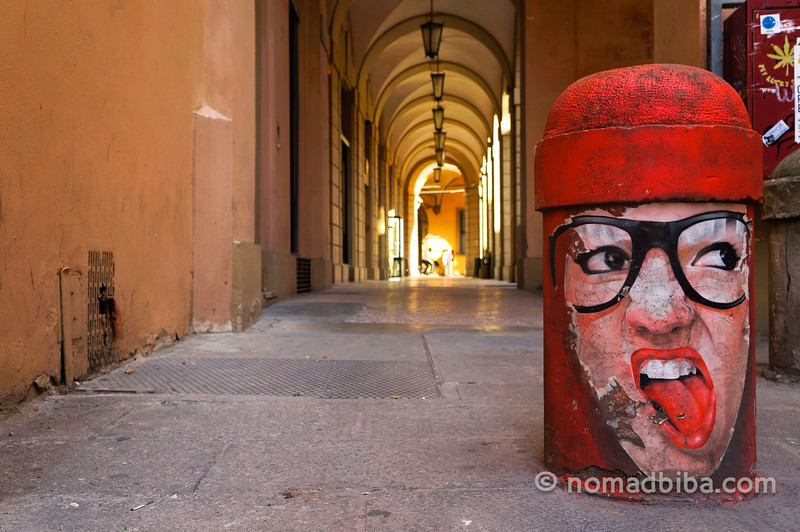 Street art & arches in Bologna