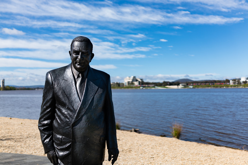 Sir Robert Menzies #canberra #cbr #publicart #lakeburlygriffin #sonycybershot #spring #visitcanberra #igerscanberra
