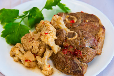 Lamb forequarter chops and cauliflower