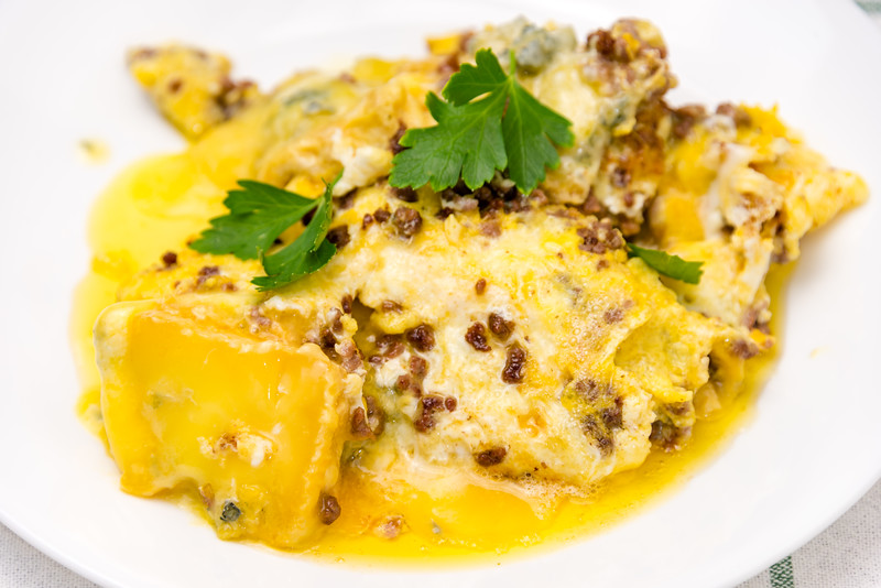 Beef and blue cheese omelet