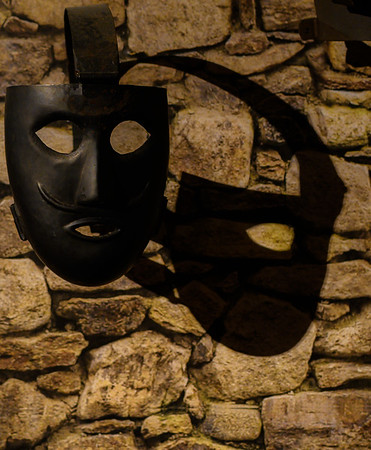 Mask and shadow