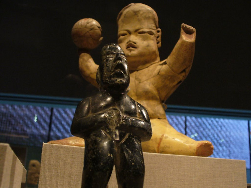 Olmec figures, 1200-900 BC