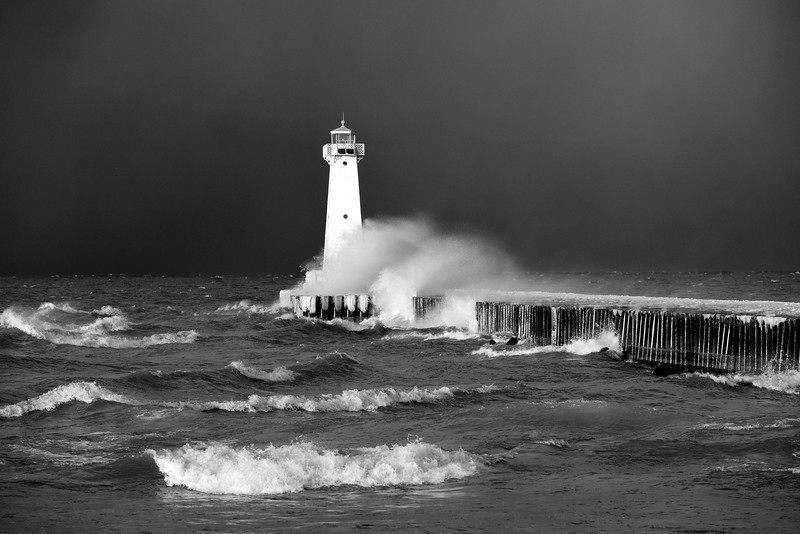Sodus Point lighthouse 010515 8 bw DSC_2051