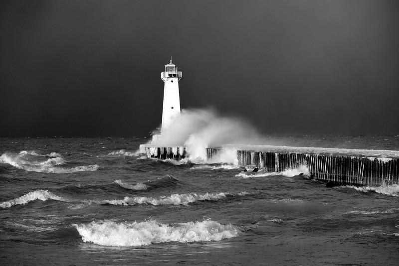 Sodus Point lighthouse 010515 8 bw DSC_2051