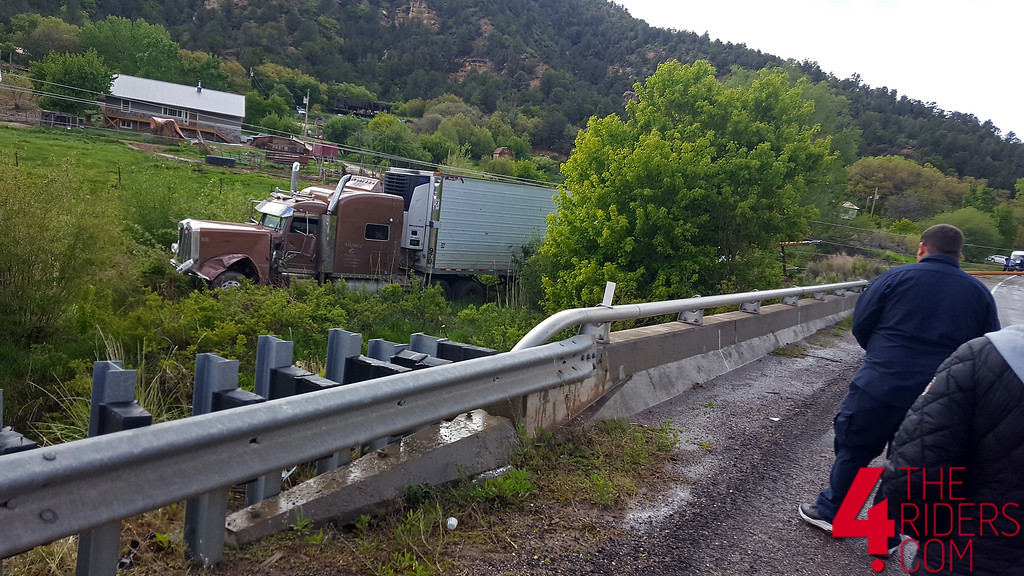 tractor trailer rig crash