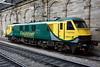 90043, Edinburgh Waverley, Sun 25 September 2016 - 0833.  Dozing between Caledonian Sleeper duties.