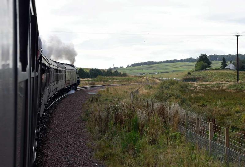 46100 Royal Scot, approaching Falahill summit, Sun 25 September 2016 - 1021.