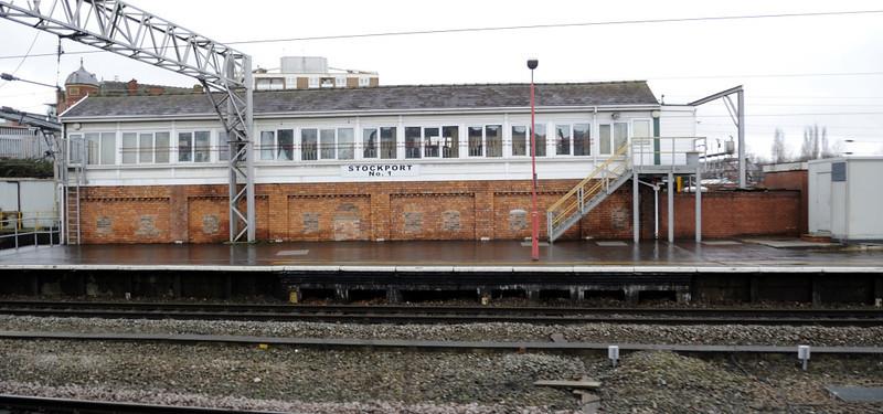 Stockport No 1 signal box, Sat 26 February 2011 - 1020