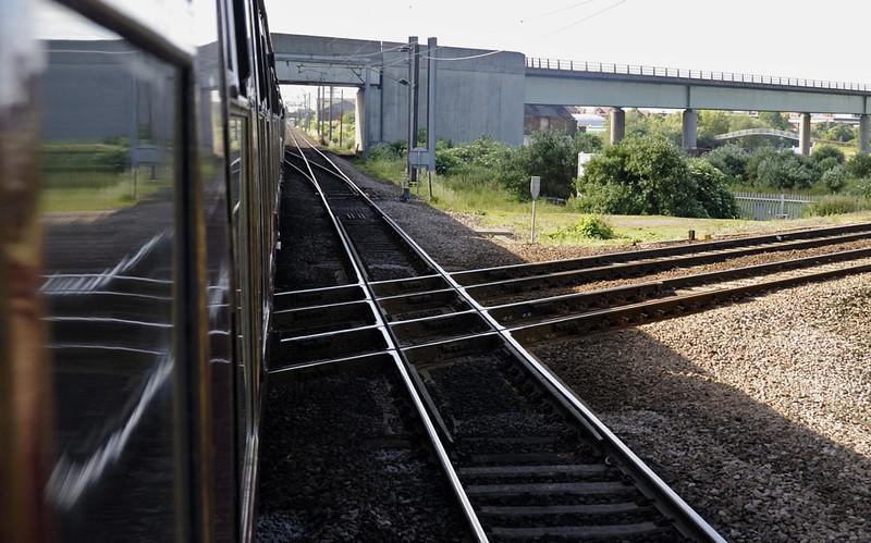 Newark flat crossing, Sat 12 June 2010 - 0838       The ECML crosses the Nottingham (right) - Lincoln line.