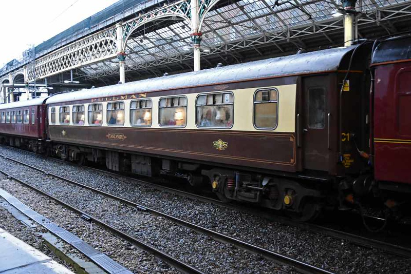 Pullman 99350 Tanzanite, 1Z45, Preston, Sat 27 January 2018.  This used to run in WCRC maroon like 99347, partly seen behind.