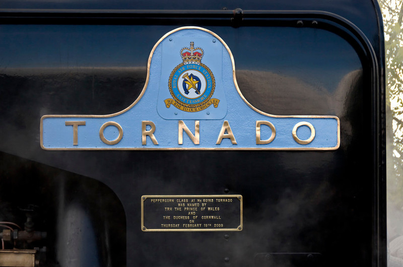 60163 Tornado, 1Z76, Appleby, 10 October 2009 2 - 1316      Named after the RAF aircraft, Tornado carries different RAF crests on either nameplate.  This is the crest of RAF Cottesmore,