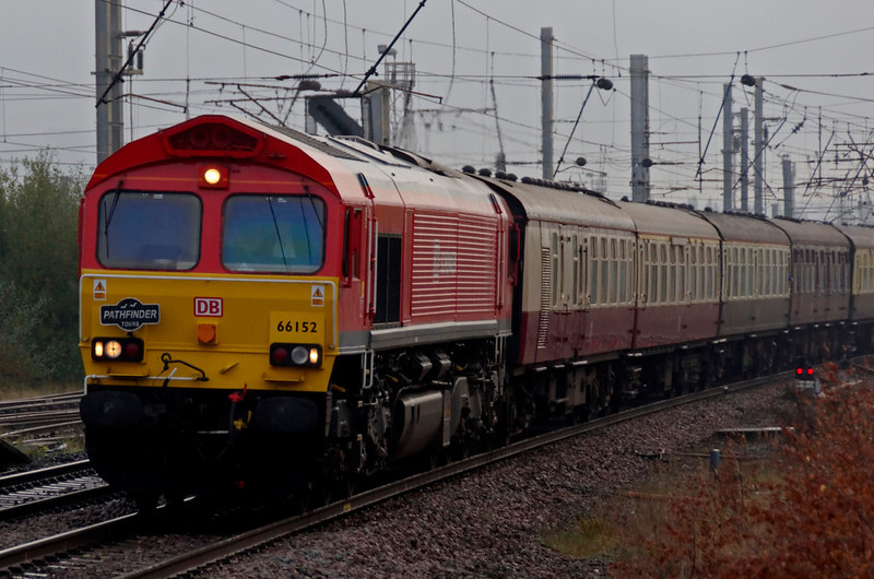 66152, 1Z76, Warrington Bank Quay, 10 October 2009 - 0937    The sole ex-EWS 66 in DB Schenker livery (at the time of this photo) brings in the 0552 Worcester Shrub Hill - Hellifield leg of Pathfinder's 'Cumbrian Mountain Tornado'.