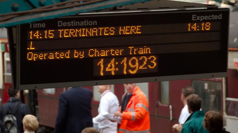 Announcing the 'Cumbrian Mountain Tornado' arrival, Carlisle, 10 October 2009 - 1419