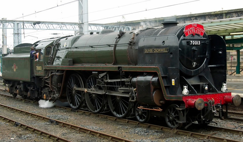 70013 Oliver Cromwell, Carlisle, 27 August 2008 - 1348     70013 waits for the road to Upperby.