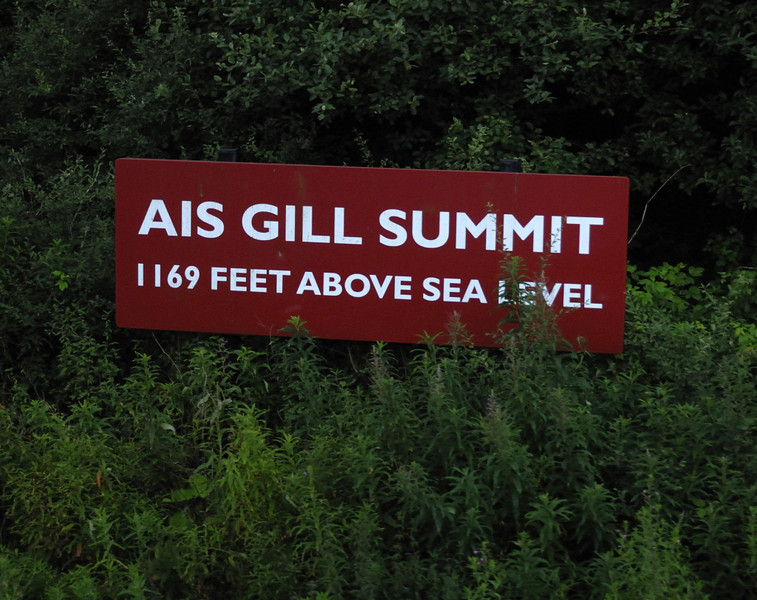 Ais Gill summit sign, Wed 25 Aug, 2010 - 1712