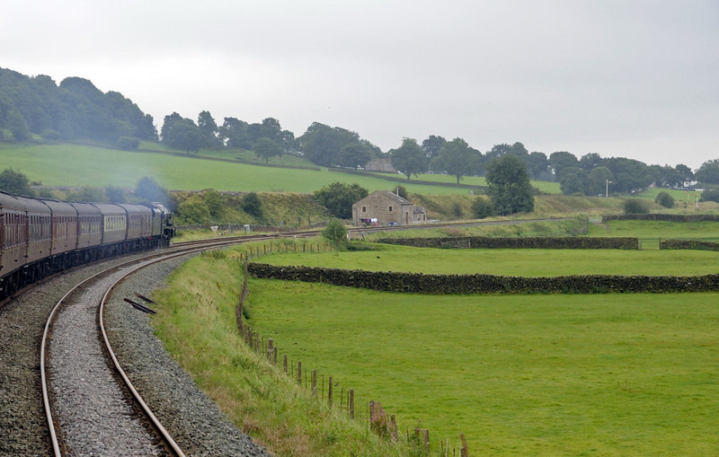 46115 Scots Guardsman, 1Z20, approaching Settle Junction, Sat 8 September 2012 - 0832