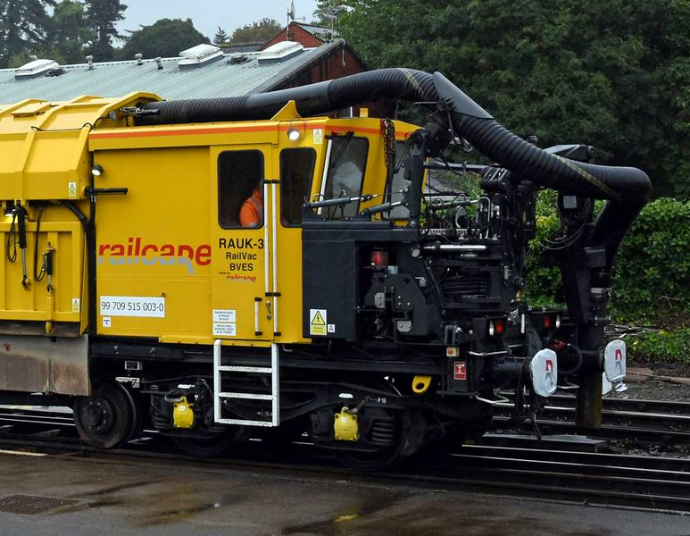 Railcare RA7-UK Rail Vac 99 709 515 003-0 / RAUK-3, Exeter St David's, Sun 3 September 2017 2.